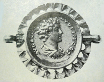 Clasp with 2 loops, 200 AD